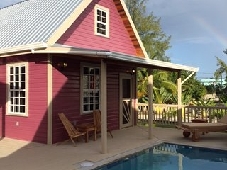 Low Caye Cottages - Purple Pearl Cottage