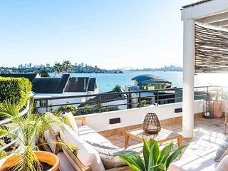 SYDNEY PANORAMIC HARBOUR HOME