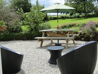 Idyllic Cottage Perranporth,Nr beach,wk ,garden,bbq,parking.