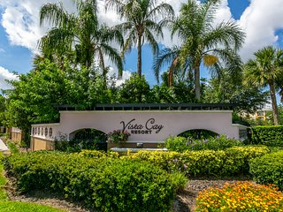 Beautiful 2 Bedroom Vista Cay Condo