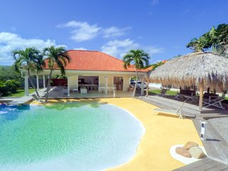 Villa de standing et sa piscine lagon