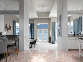 ✦Luxurious Waterfront Villa On Winery✦