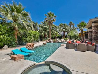 Desert Jewel! Cooling Patio Misters! Pool & Spa! Mnt Views, Desk, Walk to El Pas