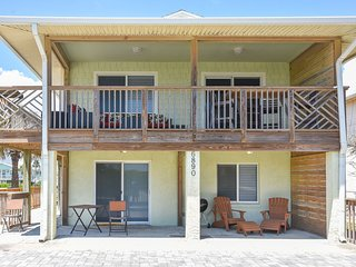 6890S - Just Beachy Ocean View Beach Home