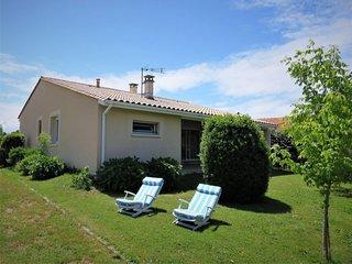 2 bedroom Villa with WiFi - 5650465