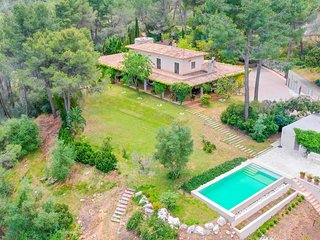 Villa Sa Mola de Valldurgent with a private pool, garden and mountain views