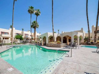 A+ Area, Heated Pool/Spa, Walking Distance to Shopping & Dining! Close to Old To