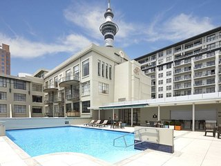 Chic & Modern 2bdrm Pad, Resort-like Facilities
