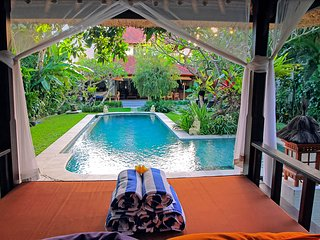 Bima - 10 Bedroom, 4 Villas, 4 Pools next to the other, Sleeps up to 20 guests