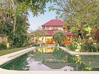 8 Bedroom, 3 Villas, 3 Pools next to the other, Sleeps 16 guests, Staff Service