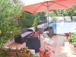 Nice home in Avignon-Les Angles w/ Outdoor swimming pool, Outdoor swimming pool