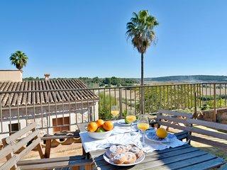 Mallorca town house with terrace sleep 6pax