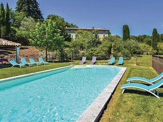 Nice home in Vaison la Romaine w/ Outdoor swimming pool, WiFi and 7 Bedrooms