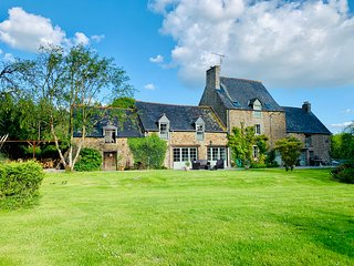 Dinan, Large Detached 17th Century Breton House, 2 acres of private gardens