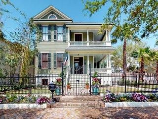 NEW LISTING! Gorgeous, updated Victorian w/deck & backyard - walk everywhere
