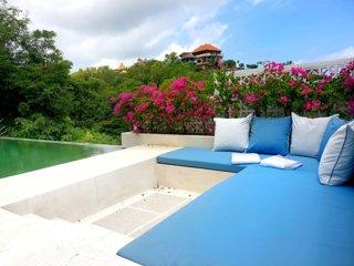 Casablanca 5 bedrooms Villa, 2 separate living spaces