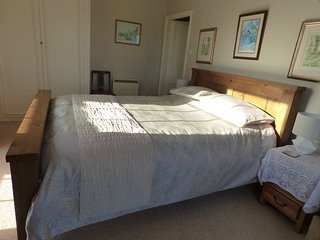 2 bedroom first floor apartment - stunning views/heated outdoor pool in summer
