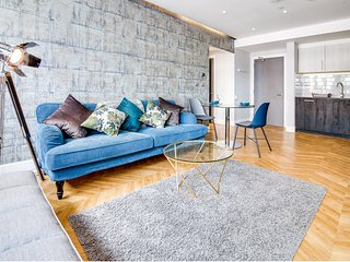 Jewellery Quarter Birmingham City Centre Modern Apartment