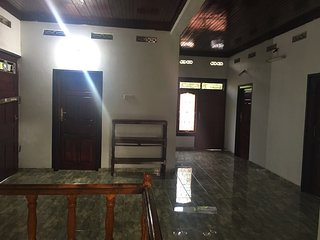 Hari Guest House - One Bed Rooms  - 3 people Sleeps