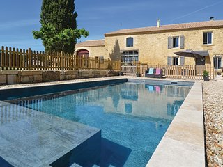 Beautiful home in Sernhac w/ Outdoor swimming pool, WiFi and 4 Bedrooms