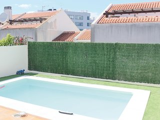 Amazing home in Fuengirola w/ WiFi, 5 Bedrooms and Outdoor swimming pool