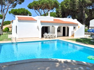 Private Pool Villa, Walking distance to Centre, Golf course view