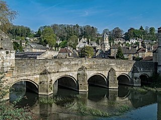Delightfully cottage in Bradford on Avon, Wiltshire. Sleeps 4. Whole house.