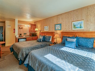 Rustic suite in the heart of Northstar w/ shared pool & hot tub! Close to ski!