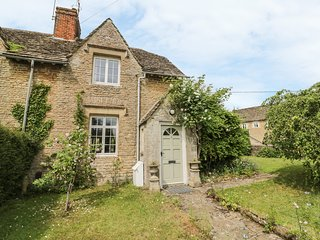 THE GREEN, perfect for families, Lechlade