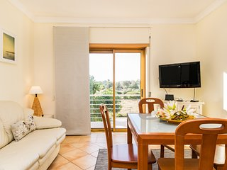 Staura White Apartment, Armacao de Pera, Algarve