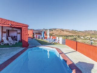 Beautiful home in Alhaurín el Grande w/ Outdoor swimming pool, WiFi and 7 Bedro