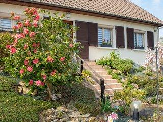 Maison le Camélia proche Disneyland Paris village nature