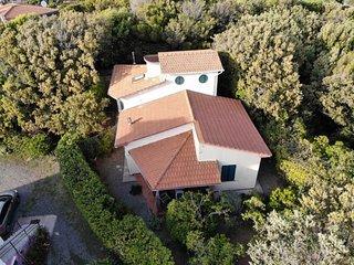 2 bedroom Villa with Walk to Beach & Shops - 5655498