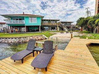 Waterfront Santa Rosa Sound, First Floor; 1/3 mile to free beach access! Pet Fri