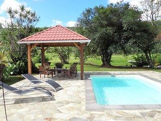 Villa 6-8 personnes avec piscine a la campagne.