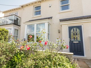 1 ORCHARD COTTAGES, en-suite, luxury interiors. in Devon