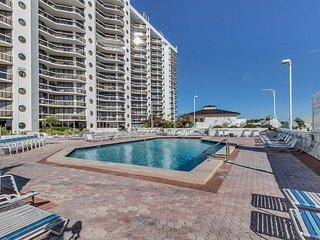 NEW LISTING! Gorgeous beach views from this amazing condo w/shared pool/hot tub