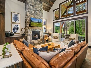 Must See New Suncadia Estate! Home Office | On the Golf Course w/Hot Tub!