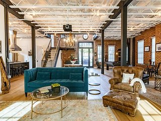 Stunning Space in Former Helicopter Factory