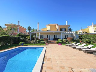 5 bedroom Villa with Pool, Air Con and WiFi - 5803281