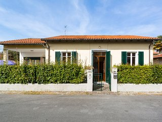 3 bedroom Villa with WiFi and Walk to Beach & Shops - 5802857