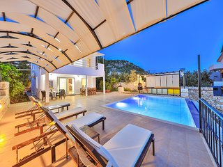 Villa Asfina Beautiful Villa with 4 bedrooms, private pool & stunning sea view