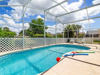 Ideal Vacation Home with private pool minutes to Disney ! IP4531