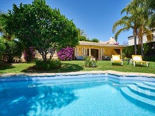 Exclusive villa in Marbella town