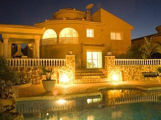 Lovely villa for rent