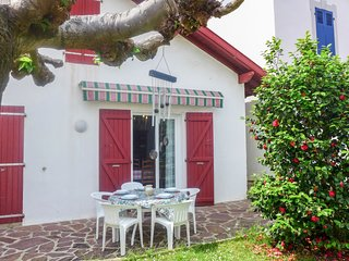 3 bedroom Villa with WiFi and Walk to Beach & Shops - 5803163