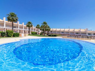2 bedroom Apartment with Pool, Air Con and WiFi - 5803203