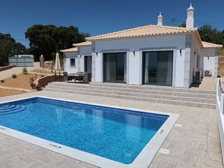 3 bedroom Villa with Pool, Air Con and WiFi - 5759337