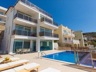 Villa Sezen - 4 bedroom villa situated 250 metres from the sea.