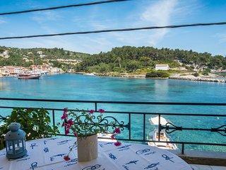 Villa Gaia: on Gaios port, right on the sea